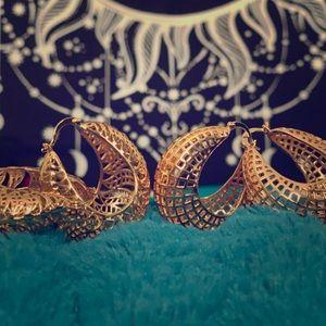 🏵 Two Pair of Gold Basket Hoop Earrings 🏵